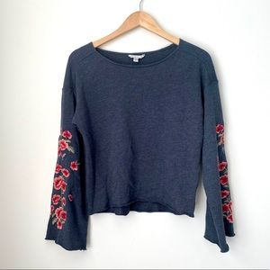 American Eagle Sweatshirt With Floral Embroidery